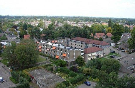 Zorgcentrum De Donk gezien vanaf de kerktoren